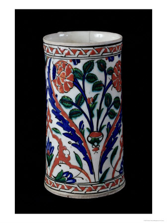 Pot with a Floral Decoration, Iznik