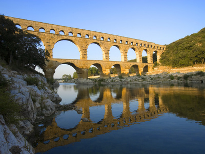 The Pont du Gard Roman Aquaduct ...