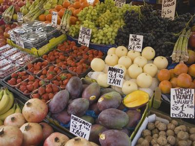 Market Stalls, Portobello Road ...
