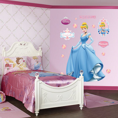 How to Create a Cinderella Bedroom