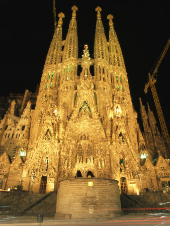Night View of Antoni Gaudis La Sagrada Familia Temple