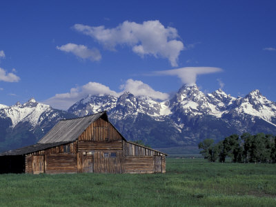 Jackson Hole Homestead and Grand Teton Range, Grand Teton National Park, Wyoming, USA