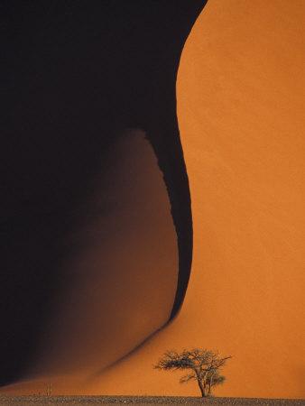 Dusk Falls on Soussevlei Sand ...