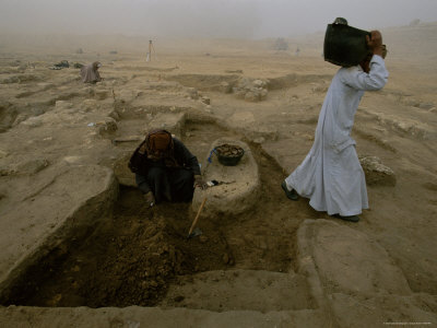 Workers Excavate Site of Ancient Pyramid Builders Production Center