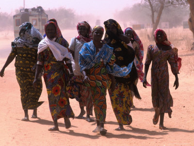 Women Walking Out of Town, Maradi, Niger