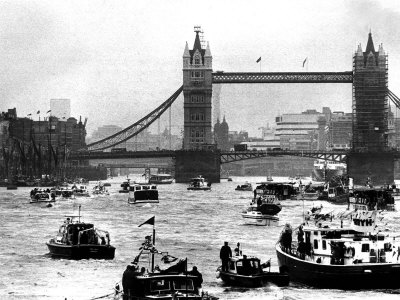 Queen Elizabeth II Silver Jubilee Flotilla Under Tower Bridge 1977