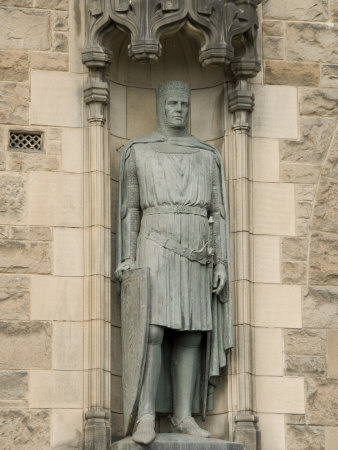 Statue of Robert the Bruce at Entrance to Edinburgh Castle, Edinburgh, Scotland, United Kingdom