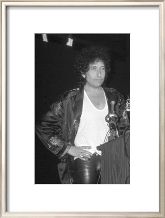 Bob Dylan at Podium Framed Art Print