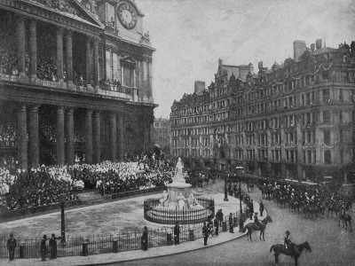 Queen Victoria Diamond Jubilee Crowds At St. Paul's Cathedral