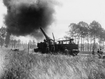 A 12 Inch British Mark Ix Railway Gun in Action at Meaulte During the Battle of the Somme