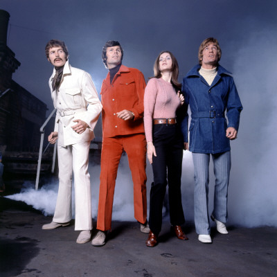 1970s Fashion Models on Retro Fashion Models With Smoke Machine 1970s  Outfits  Trends  Suits
