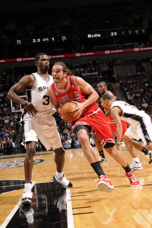Chicago Bulls v San Antonio Spurs: Joakim Noah and Antonio McDyess Photographic Print
