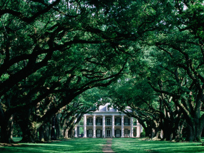 Oak Alley Plantation in Mississippi ...