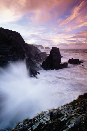 Ireland-Surf Pounding Rocky