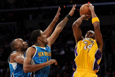 New Orleans Hornets v Los Angeles Lakers - Game Five, Los Angeles, CA - April 26: Kobe Bryant, Trev