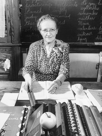 "Teacher Sally Elizabeth ""Miss Lizzie"" Richardson"