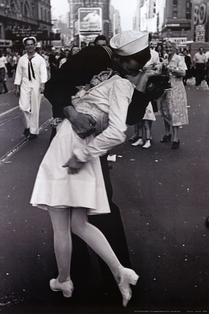 Kissing on VJ Day,