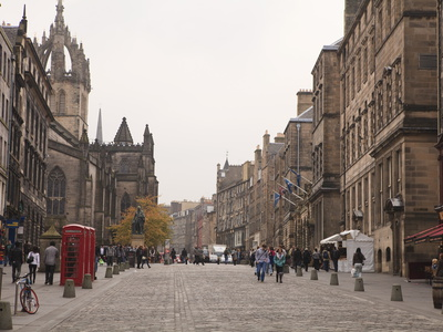 Royal Mile, the Old Town ...