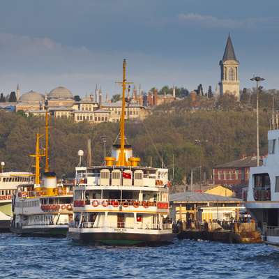 Topkapi Palace and Ferries on the Waterfront of the Golden Horn, Istanbul, Turkeyistanbul, Turkey