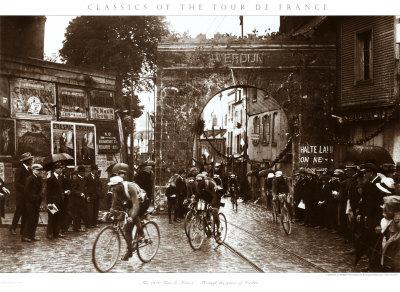 Through the Gates of Verdun, 1922 Art Print