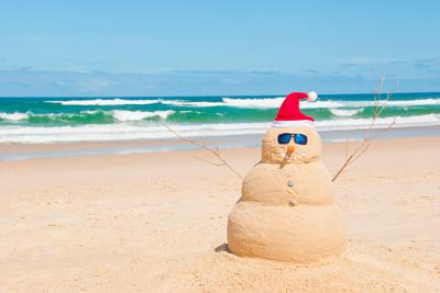 Weihnachtsmann urlaubt am Mittelmeer