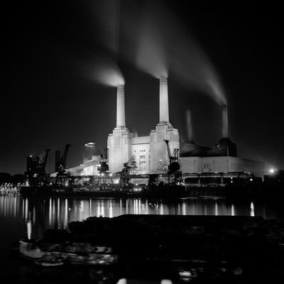 Battersea Power Station at night by Eric De Mere