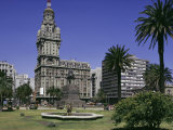 Palacio Salvo, Plaza Independenca, Montevideo, Uruguay, South America
