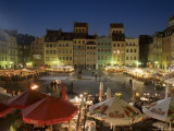 Street Performers, Cafes and Stalls at Dusk, Old Town Square (Rynek Stare Miasto), Warsaw, Poland