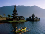 Lake Bratan, Pura Ulun Danu Bratan Temple and Boatman, Bali, Indonesia