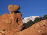 Pikes Peak, Garden of The Gods National Landmark, Colorado Springs, Colorado, USA