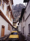 Taxi and Ottoman Houses, Amasya, Turkey