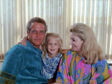 Actors Paul Newman and Joanne Woodward at Home with Their Daughter Premium Photographic Print