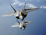 Two F-22 Raptors Fly over the Pacific Ocean Fotografie-Druck