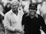Jack Nicklaus, Lee Trevino, at U.S. Open Championship in Pebble Beach, California, June 18, 1972 Premium Poster