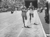 Runner John Landy, Breaking the 4 Minute Mile