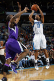 Sacramento Kings v New Orleans Hornets: Willie Green and Carl Landry