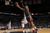 Milwaukee Bucks v San Antonio Spurs: Drew Gooden and Antonio McDyess