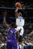 Sacramento Kings v New Orleans Hornets: Chris Paul and Eugene Jeter