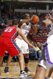 New Jersey Nets v Sacramento Kings: Carl Landry and Kris Humphries