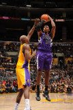 Sacramento Kings v Los Angeles Lakers: Jason Thompson and Lamar Odom