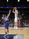 Atlanta Hawks v New Jersey Nets: Troy Murphy and Josh Powell