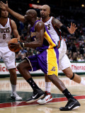 Los Angeles Lakers v Milwaukee Bucks: Lamar Odom and Drew Gooden
