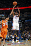 Phoenix Suns v Oklahoma City Thunder, Oklahoma City, OK - March 6 : Kevin Durant and Grant Hill