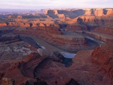 USA, Utah, Dead Horse Point State Park, Colorado River, Goose Neck at sunrise