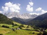 Funes Valley and the Dolomites Fotografie-Druck