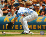 Derrek Lee Chicago Cubs - Fielding Autographed Photo (Hand Signed Collectable)