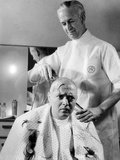 Mad Love, Peter Lorre Getting His Head Shaved For Upcoming Role, 1935