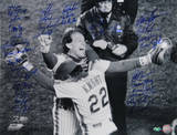 NY Mets 1986 Team Signed Knight Hugging Carter