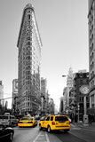 Flatiron Building - Taxi Cabs Yellow - Manhattan - New York City - United States Photographic Print