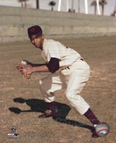 Ernie Banks - Fielding, posed